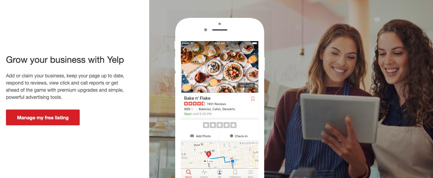Grandir votre business avec Yelp, deux filles utlisant l'application Web donnant leur avis